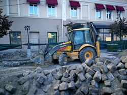 В Одессе уже восстанавливают старинную мостовую в Красном переулке (ФОТО)
