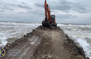 """В Одесской области на территории национального парка """"Тузловские лиманы"""" незаконно построили причал в море"""
