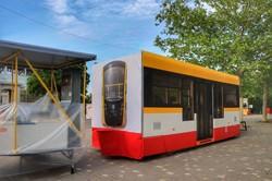В Одессе на экологический фестиваль привезли целую секцию трамвая (ФОТО)