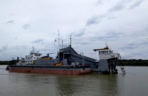 В порту Измаила углубляют дно (ФОТО)
