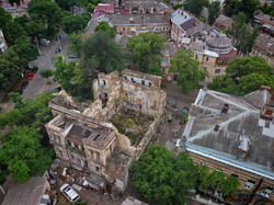 В Одессе показали с высоты руины Масонского дома: уже есть проект восстановления с дополнительными этажами (ВИДЕО)