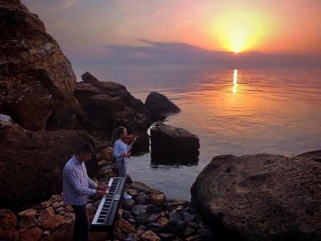 В Одессе сняли очень красивый музыкальный клип на берегу моря