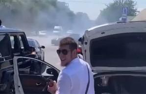 Под Одессой задержали людей, стрелявших из автомата на оживленной дороге (ВИДЕО)