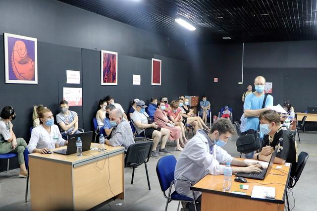 В Одессе за день вакцинировали от ковида почти семь тысяч человек (ВИДЕО)
