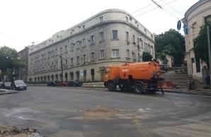 На Одессу ночью обрушился мощный ливень