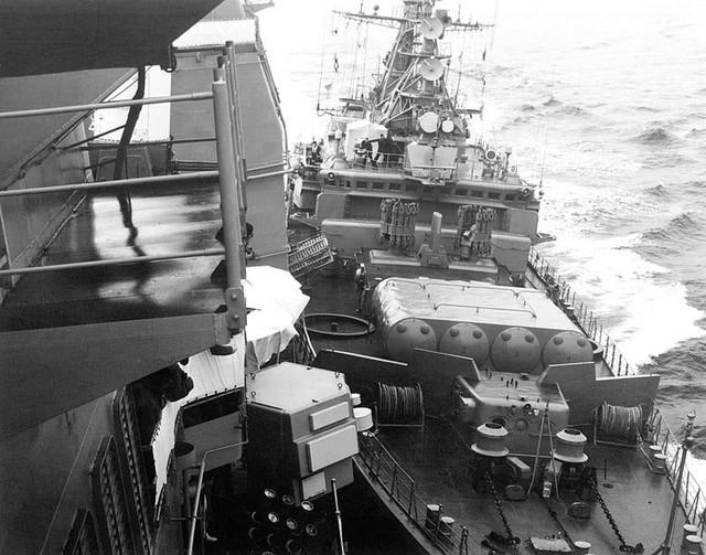 """Как советский""""сторожевик"""" под американский крейсер """"подползал""""..."""