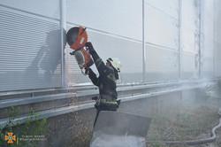 Около Одессы произошел сильный пожар на складах в Нерубайском
