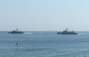 У берегов Одессы репетировали морской парад (ФОТО)