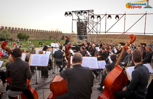 В Одессе выступит Литовский симфонический оркестр и Питер Грегсон