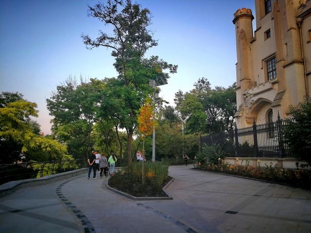 В Одессе открыли после ремонта небольшой участок бульвара Жванецкого (ФОТО)