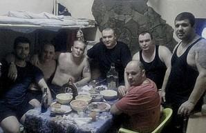В избирательных комиссиях оккупационных властей Крыма работают сомнительные личности
