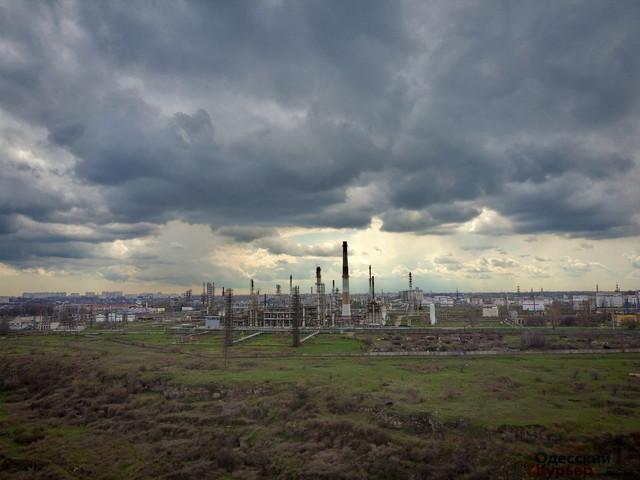 В Одессе может произойти катастрофа на неработающем нефтеперерабатывающем заводе (ВИДЕО)