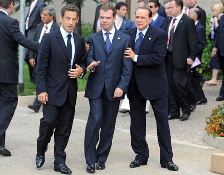 Ёжик в тумане или как Медведев одновременно боится Украину и отрицает ее