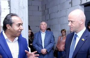 Одиозный застройщик подал в суд на мэра Одессы