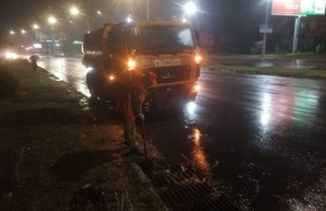 Одессу заливает дождем